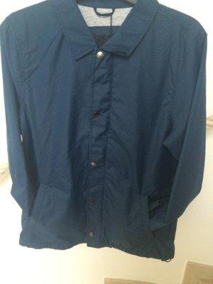 Blaue Coachjacket