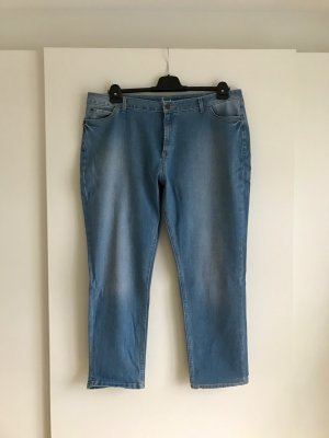 Blaue Girlfriend-Jeans