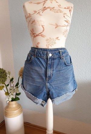 blaue highwaist Jeansshorts von Zara