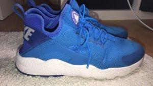 Blaue Huaraches