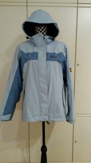 blaue Jack Wolfskin Jacke mit passendem Inlet