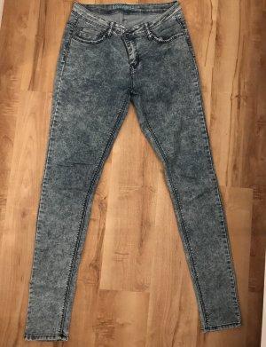 Blaue Jeans Hose mit Waschung