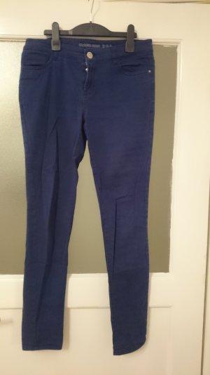 Blaue Jeans, kaum getragen