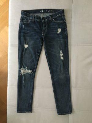 Blaue Jeans mit Destroy Effekt von 7 for all mankind