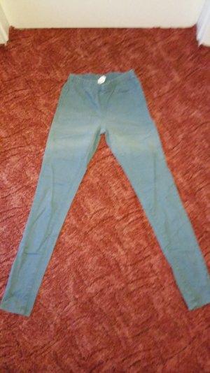Blaue Jeans mit Gummibund