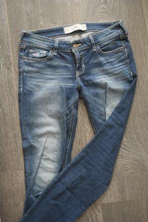 Blaue Jeans mit Waschungen