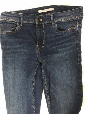 Blaue Jeans/Röhre Zara