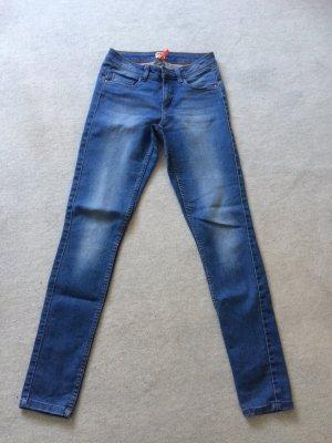 blaue Jeans / Röhrenjeans von Only - Gr. S / Length 32