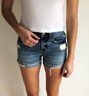 Blaue Jeans Shorts von AllSaints im Destroyed Look