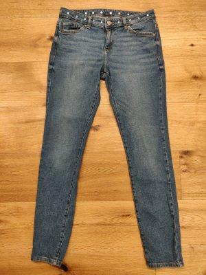 blaue Jeans, slim fit, middle waist, blau mit Stern-Nieten, Esprit, neuwertig