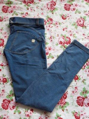 Blaue Jeans von Freddy