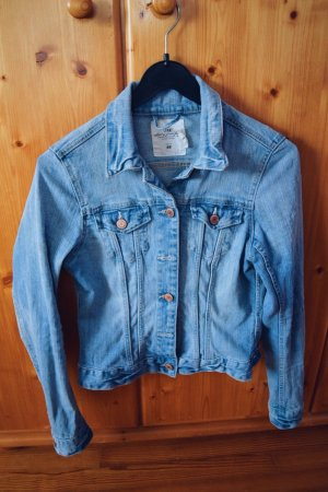 Blaue Jeansjacke von H&M