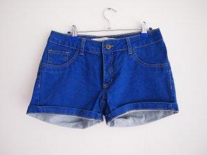 Blaue Jeansshort