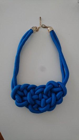 Blaue Kette mit Knotendetail