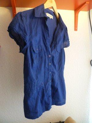 Blaue kurzärmelige Bluse mit geraffter Taille