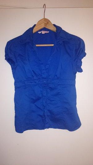 Blaue, kurzärmlige Bluse mit Knöpfen