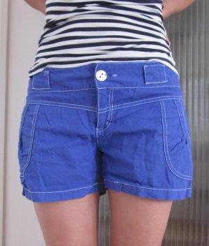 Blaue kurze Hose - Leinen Kontrastnähte