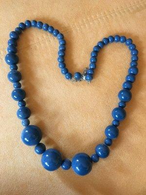 Blaue lange Perlenkette