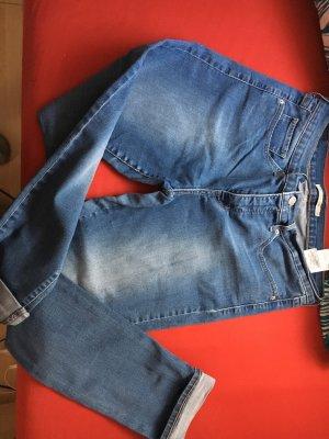 Blaue Levi's Jeanshose