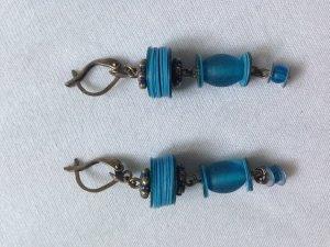 Blaue Perlenohrringe von Konplott