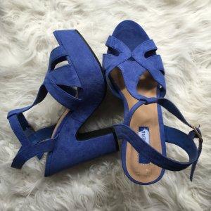 Blaue Riemchen High Heels