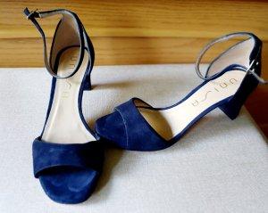 Blaue Riemchen Sandalen