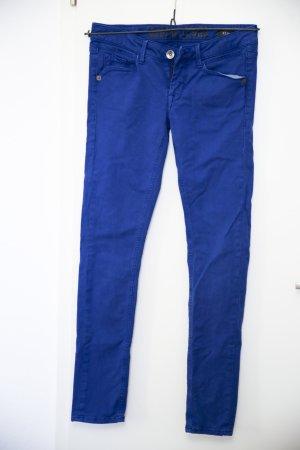 Blaue röhren Jeans Hose