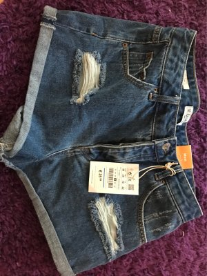 Blaue Shorts von Pull and Bear
