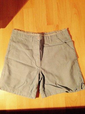 Blaue Shorts von S Oliver