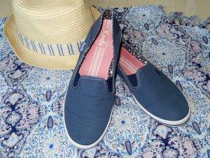 Blaue Slip-Ons von Keds