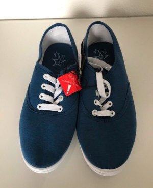 Blaue Sneaker / Turnschuhe