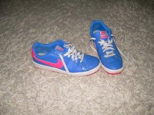 blaue Sneaker von Nike Gr. 40 mit pinkem Logo