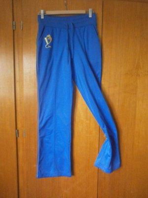 blaue Sporthose, Marke unbekannt