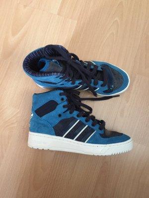 Blaue Sportschuhe von Adidas in Größe 38 2/3