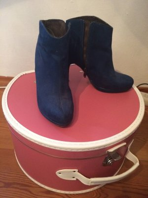 Blaue Stiefelletten von Tamaris