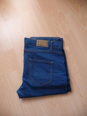 Blaue Straight Jeans Zero