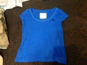 Blaue T-Shirt von Abercrombie & Fitch