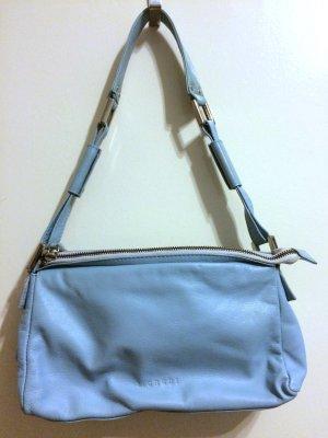 Blaue Tasche von L. Credi