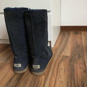 Blaue UGG-Boots, selten getragen, kuschelig warm, perfekt für den Winter