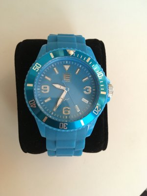 Blaue Uhr