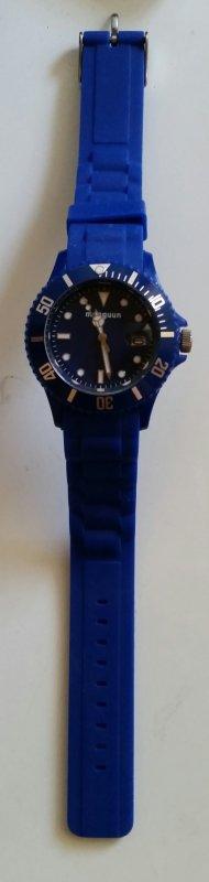 Blaue Uhr von Manguun