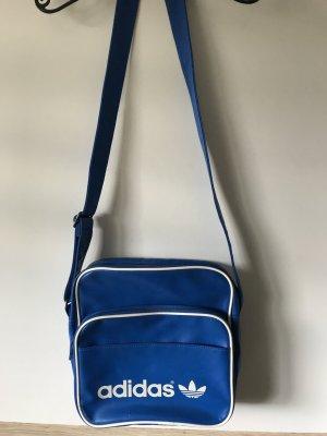 Blaue Umhängetasche von 'Adidas'