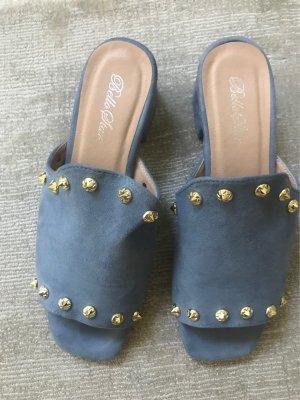 Blaue Velour Blockabsatz mules mit goldenen Nieten