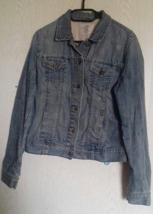 Blaue, warme Jeansjacke