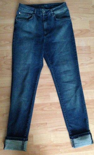 Blaue Zara-Jeans Größe 42