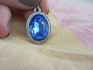 Pendant blue-silver-colored metal