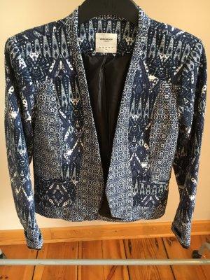 Blauer Blazer mit Ethno-Muster