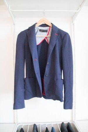 Blauer Blazer mit roten Nähten von Zara