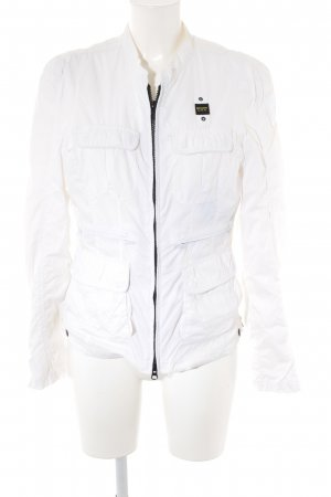 Blauer Bomber Jacket white-black casual look