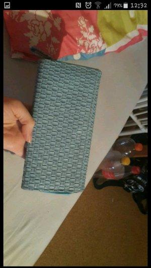 blauer Geldbeutel, war kurz in Gebrauch